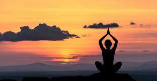 چرا باید همین امروز یوگا را شروع کنید؟+ فواید ورزش یوگا - مجله فیت شیپ